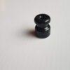 Keramikinis izoliatorius, juodas