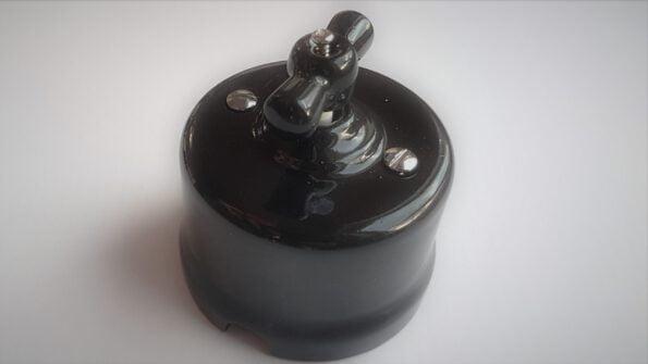 Juodas-keramikinis-jungiklis.jpg