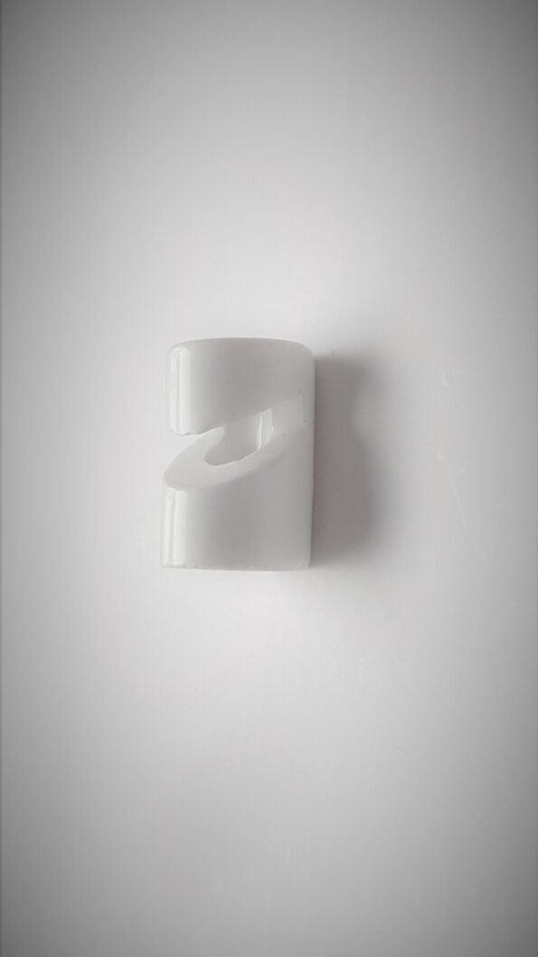 keramikinis-laido-kabliukas-lubinis.jpg